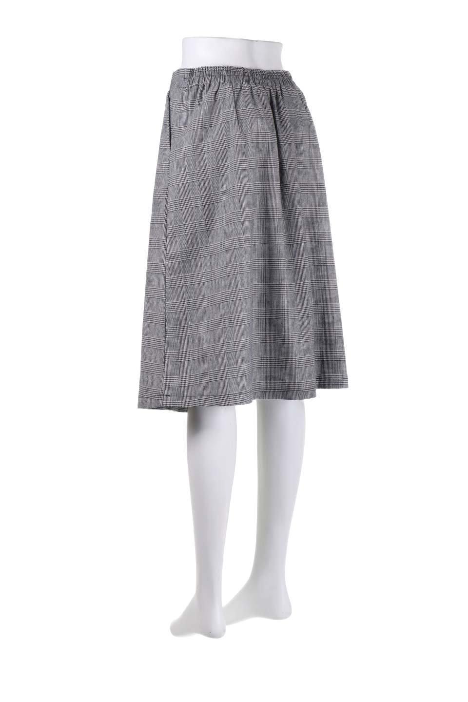Glen-CheckFloralEmbro.Shkirtグレンチェック・タックスカート大人カジュアルに最適な海外ファッションのothers(その他インポートアイテム)のボトムやスカート。グレンチェックの花刺繍入りタックスカート。今季大人気のグレンチェックのアイテム。/main-13