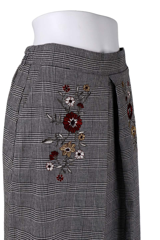 Glen-CheckFloralEmbro.Shkirtグレンチェック・タックスカート大人カジュアルに最適な海外ファッションのothers(その他インポートアイテム)のボトムやスカート。グレンチェックの花刺繍入りタックスカート。今季大人気のグレンチェックのアイテム。/main-6