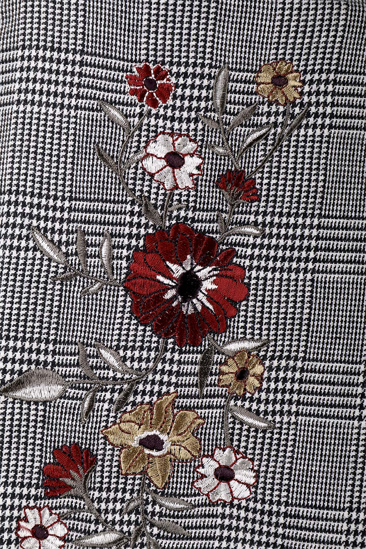 Glen-CheckFloralEmbro.Shkirtグレンチェック・タックスカート大人カジュアルに最適な海外ファッションのothers(その他インポートアイテム)のボトムやスカート。グレンチェックの花刺繍入りタックスカート。今季大人気のグレンチェックのアイテム。/main-8