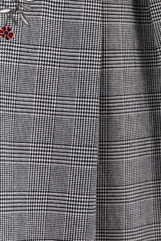 Glen-CheckFloralEmbro.Shkirtグレンチェック・タックスカート大人カジュアルに最適な海外ファッションのothers(その他インポートアイテム)のボトムやスカート。グレンチェックの花刺繍入りタックスカート。今季大人気のグレンチェックのアイテム。/main-9