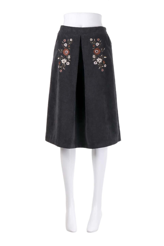 WideWaleCorduroyFloralEmbro.Skirt花刺繍入りコーデュロイスカート大人カジュアルに最適な海外ファッションのothers(その他インポートアイテム)のボトムやスカート。温かみのある太うねコーデュロイの刺繍スカート。秋冬大人気の素材、太うねコーデュロイを使用したエレガント&カジュアルなアイテムです。/main-10
