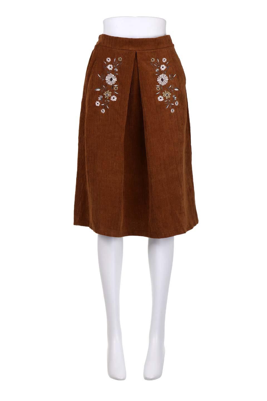 WideWaleCorduroyFloralEmbro.Skirt花刺繍入りコーデュロイスカート大人カジュアルに最適な海外ファッションのothers(その他インポートアイテム)のボトムやスカート。温かみのある太うねコーデュロイの刺繍スカート。秋冬大人気の素材、太うねコーデュロイを使用したエレガント&カジュアルなアイテムです。/main-15