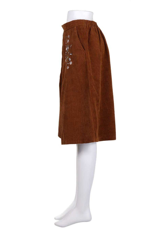 WideWaleCorduroyFloralEmbro.Skirt花刺繍入りコーデュロイスカート大人カジュアルに最適な海外ファッションのothers(その他インポートアイテム)のボトムやスカート。温かみのある太うねコーデュロイの刺繍スカート。秋冬大人気の素材、太うねコーデュロイを使用したエレガント&カジュアルなアイテムです。/main-17
