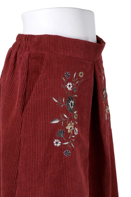 WideWaleCorduroyFloralEmbro.Skirt花刺繍入りコーデュロイスカート大人カジュアルに最適な海外ファッションのothers(その他インポートアイテム)のボトムやスカート。温かみのある太うねコーデュロイの刺繍スカート。秋冬大人気の素材、太うねコーデュロイを使用したエレガント&カジュアルなアイテムです。/main-5