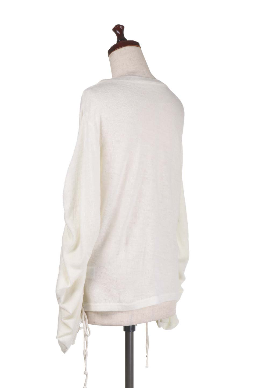 GatheredSleeveKnitTopギャザースリーブニット大人カジュアルに最適な海外ファッションのothers(その他インポートアイテム)のトップスやニット・セーター。キュッと絞れるギャザースリーブが魅力のニット。ヒモを完全に緩めればパフスリーブで楽しめます。/main-13