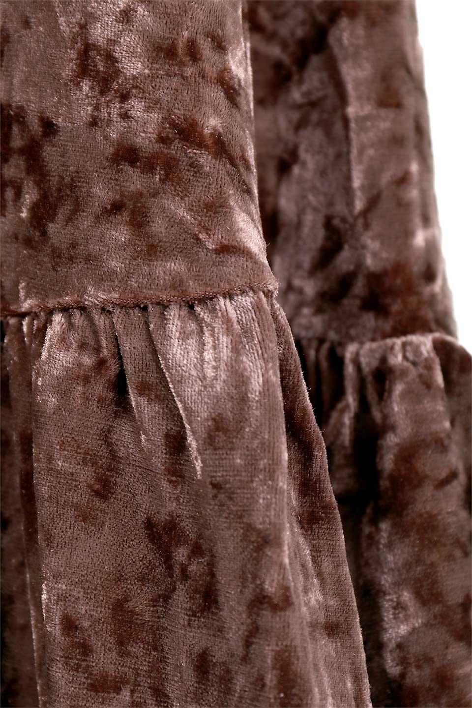 LOVESTITCHのPetraVelvetDressクラッシュベロア・マキシワンピース/海外ファッションが好きな大人カジュアルのためのLOVESTITCH(ラブステッチ)のワンピースやマキシワンピース。ゴージャス感のあるクラッシュベロアのマキシワンピース。秋冬にピッタリなクラッシュベロアの風合いがたまらないアイテムです。/main-16