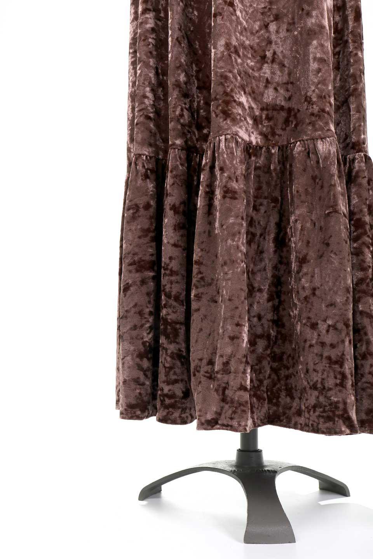 LOVESTITCHのPetraVelvetDressクラッシュベロア・マキシワンピース/海外ファッションが好きな大人カジュアルのためのLOVESTITCH(ラブステッチ)のワンピースやマキシワンピース。ゴージャス感のあるクラッシュベロアのマキシワンピース。秋冬にピッタリなクラッシュベロアの風合いがたまらないアイテムです。/main-17