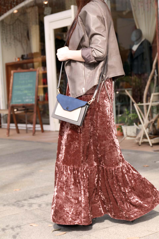 LOVESTITCHのPetraVelvetDressクラッシュベロア・マキシワンピース/海外ファッションが好きな大人カジュアルのためのLOVESTITCH(ラブステッチ)のワンピースやマキシワンピース。ゴージャス感のあるクラッシュベロアのマキシワンピース。秋冬にピッタリなクラッシュベロアの風合いがたまらないアイテムです。/main-19