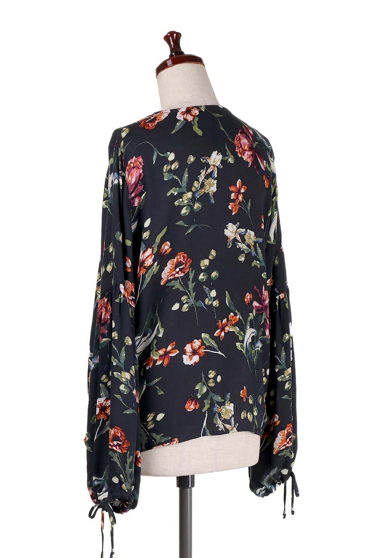 LOVESTITCHのAlishaTop花柄長袖ブラウス/海外ファッションが好きな大人カジュアルのためのLOVESTITCH(ラブステッチ)のトップスやシャツ・ブラウス。大人っぽい花柄がおすすめポイントのブラウス。フワッと膨らんだ袖はキュッと絞ればビショップスリーブ。/main-3
