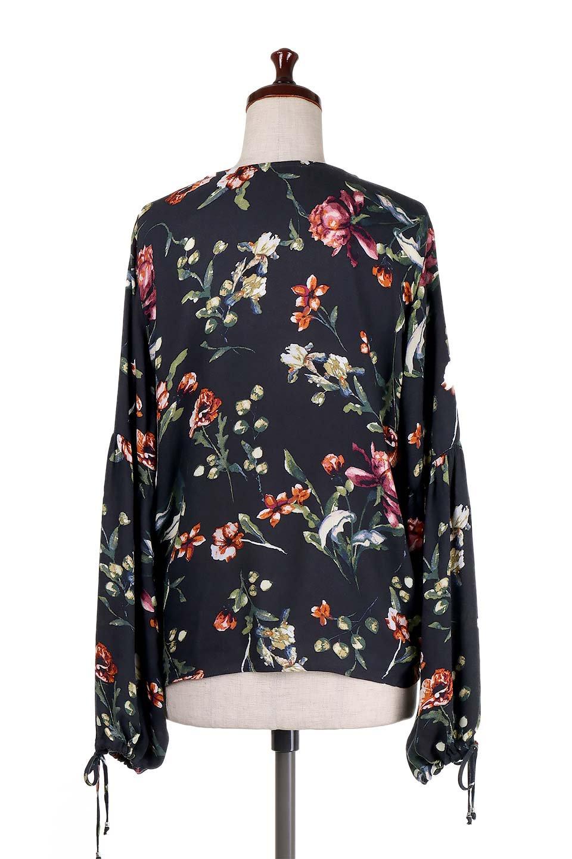 LOVESTITCHのAlishaTop花柄長袖ブラウス/海外ファッションが好きな大人カジュアルのためのLOVESTITCH(ラブステッチ)のトップスやシャツ・ブラウス。大人っぽい花柄がおすすめポイントのブラウス。フワッと膨らんだ袖はキュッと絞ればビショップスリーブ。/main-4