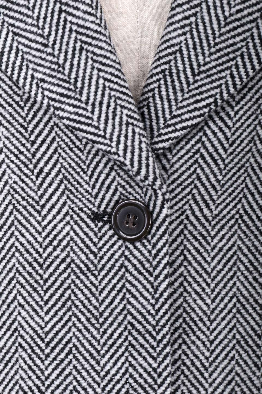 TweedHerringboneChesterCoatツイードヘリンボーン・チェスターコート大人カジュアルに最適な海外ファッションのothers(その他インポートアイテム)のアウターやコート。大人気のオーバーサイズ気味のチェスターコート。ヘリンボーンに織り込まれたツイードが上品な印象のコートです。/main-12