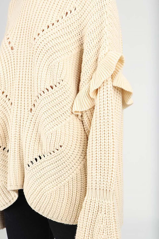 L.A.直輸入のChunkyRibKnittedSweaterデザインスリーブニット大人カジュアルに最適な海外ファッションのothers(その他インポートアイテム)のトップスやニット・セーター。1枚でサマになるチャンキーニットのセーター。フリルが付いたキャンディースリーブチックな袖がとても可愛いざっくりニット。/main-6