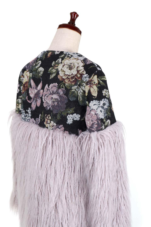 FloralJacquardAndFauxFurJacketジャカード&ファーコート大人カジュアルに最適な海外ファッションのothers(その他インポートアイテム)のアウターやコート。花柄ジャカード織とファーのコンビネーションがとても可愛いショートコート。今年は普通のファーではなく変わり種のアイテムに注目。/main-7