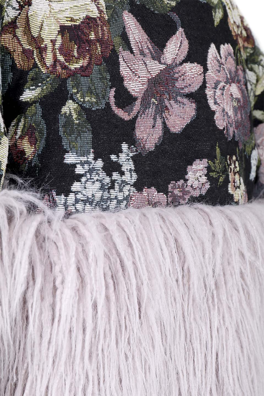 FloralJacquardAndFauxFurJacketジャカード&ファーコート大人カジュアルに最適な海外ファッションのothers(その他インポートアイテム)のアウターやコート。花柄ジャカード織とファーのコンビネーションがとても可愛いショートコート。今年は普通のファーではなく変わり種のアイテムに注目。/main-8