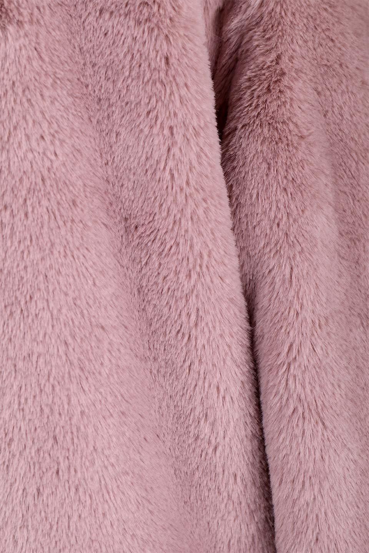 PinkVelvetFurLongCoatピンクファーコート大人カジュアルに最適な海外ファッションのothers(その他インポートアイテム)のアウターやコート。ベルベットのようなピンクのフェイクファーが目を引くコート。ここ数年海外ではデザイン性に富んだファーアイテムが人気です。/main-11