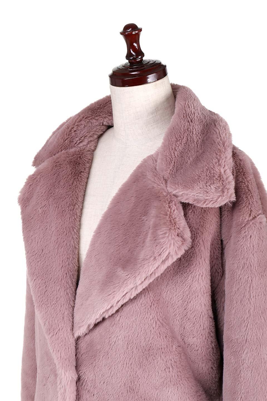 PinkVelvetFurLongCoatピンクファーコート大人カジュアルに最適な海外ファッションのothers(その他インポートアイテム)のアウターやコート。ベルベットのようなピンクのフェイクファーが目を引くコート。ここ数年海外ではデザイン性に富んだファーアイテムが人気です。/main-5