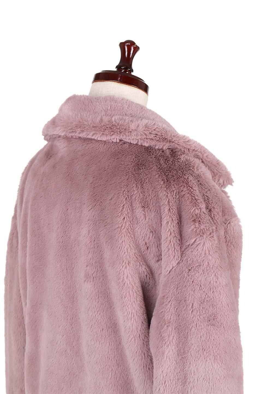PinkVelvetFurLongCoatピンクファーコート大人カジュアルに最適な海外ファッションのothers(その他インポートアイテム)のアウターやコート。ベルベットのようなピンクのフェイクファーが目を引くコート。ここ数年海外ではデザイン性に富んだファーアイテムが人気です。/main-7