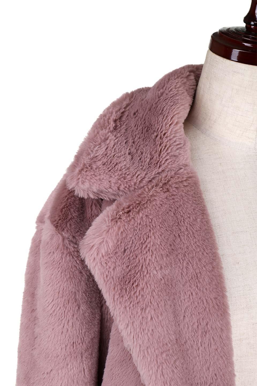 PinkVelvetFurLongCoatピンクファーコート大人カジュアルに最適な海外ファッションのothers(その他インポートアイテム)のアウターやコート。ベルベットのようなピンクのフェイクファーが目を引くコート。ここ数年海外ではデザイン性に富んだファーアイテムが人気です。/main-8