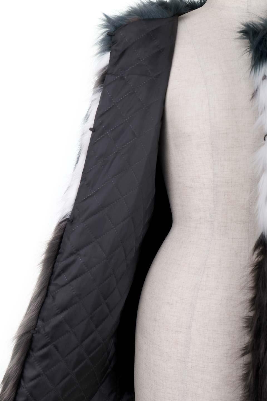 LongHairyShaggyEcoFurCoatロングシャギー・エコファーコート大人カジュアルに最適な海外ファッションのothers(その他インポートアイテム)のアウターやコート。綺麗なカラーリングのあたたかエコファー(フェイクファー)コート。ナチュラルなカラーより今年はこんな感じの人工的なカラーリングが断然オススメ。/main-12