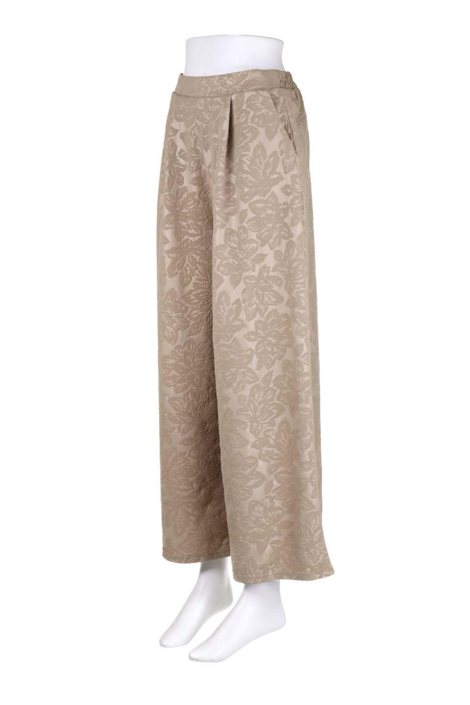 FloralEmbossingWideSpringPants花柄エンボス・ワイドパンツ大人カジュアルに最適な海外ファッションのothers(その他インポートアイテム)のボトムやパンツ。花柄エンボス加工が印象的なワイドパンツ。季節感のあるカラーリングと生地感が魅力のアイテム。/main-6