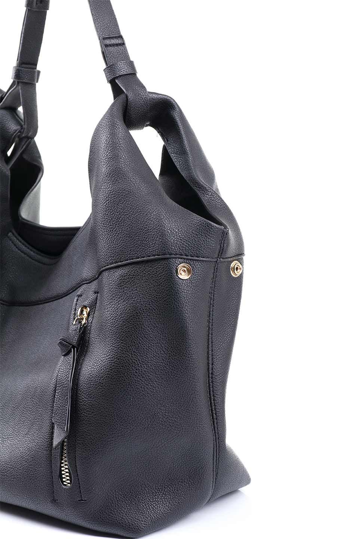 meliebiancoのClara(Black)ライトウェイト・ショルダーバッグ/海外ファッション好きにオススメのインポートバッグとかばん、MelieBianco(メリービアンコ)のバッグやショルダーバッグ。持ち手のリボンがポイントの軽量ショルダーバッグ。肩にかけたままスマートフォンなどを取り出しやすい縦のポケットがとても便利です。/main-7