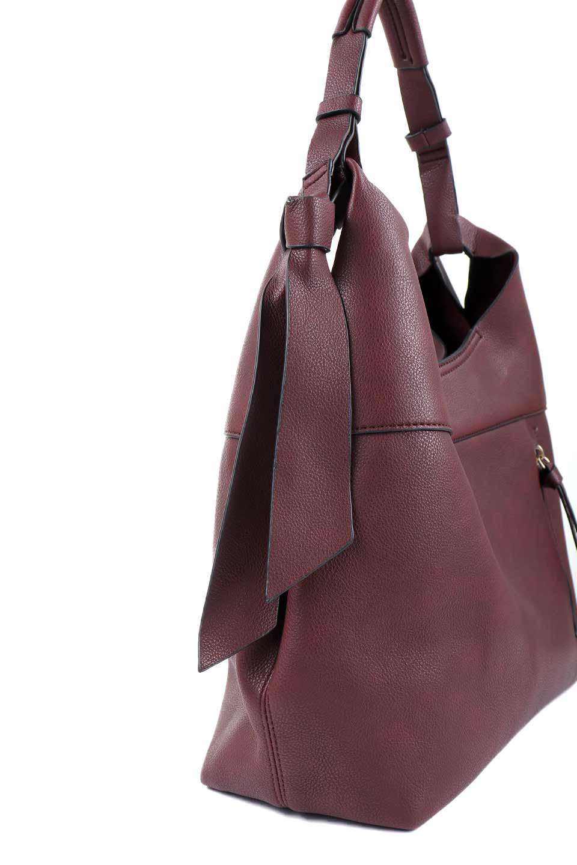 meliebiancoのClara(Burgundy)ライトウェイト・ショルダーバッグ/海外ファッション好きにオススメのインポートバッグとかばん、MelieBianco(メリービアンコ)のバッグやショルダーバッグ。持ち手のリボンがポイントの軽量ショルダーバッグ。肩にかけたままスマートフォンなどを取り出しやすい縦のポケットがとても便利です。/main-5
