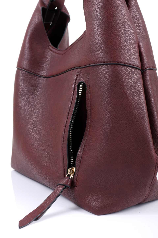 meliebiancoのClara(Burgundy)ライトウェイト・ショルダーバッグ/海外ファッション好きにオススメのインポートバッグとかばん、MelieBianco(メリービアンコ)のバッグやショルダーバッグ。持ち手のリボンがポイントの軽量ショルダーバッグ。肩にかけたままスマートフォンなどを取り出しやすい縦のポケットがとても便利です。/main-6