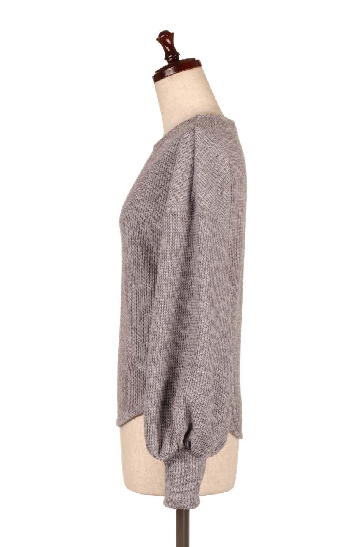 SmoothLiningKnitTopスムース裏地ニットソー大人カジュアルに最適な海外ファッションのothers(その他インポートアイテム)のトップスやニット・セーター。フワフワ裏地の肌触りがポイントのシンプルニットソー。袖が膨らんだビショップスリーブですが、袖口がやや長めでアウターも合わせやすいデザインです。/main-12