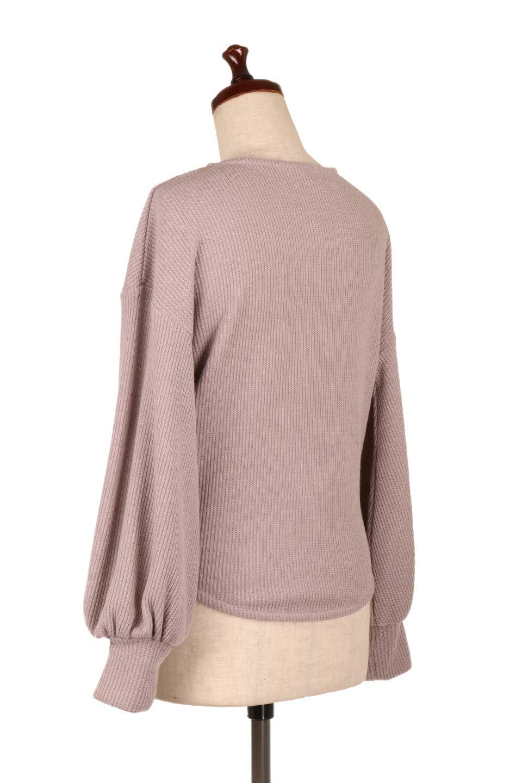 SmoothLiningKnitTopスムース裏地ニットソー大人カジュアルに最適な海外ファッションのothers(その他インポートアイテム)のトップスやニット・セーター。フワフワ裏地の肌触りがポイントのシンプルニットソー。袖が膨らんだビショップスリーブですが、袖口がやや長めでアウターも合わせやすいデザインです。/main-8