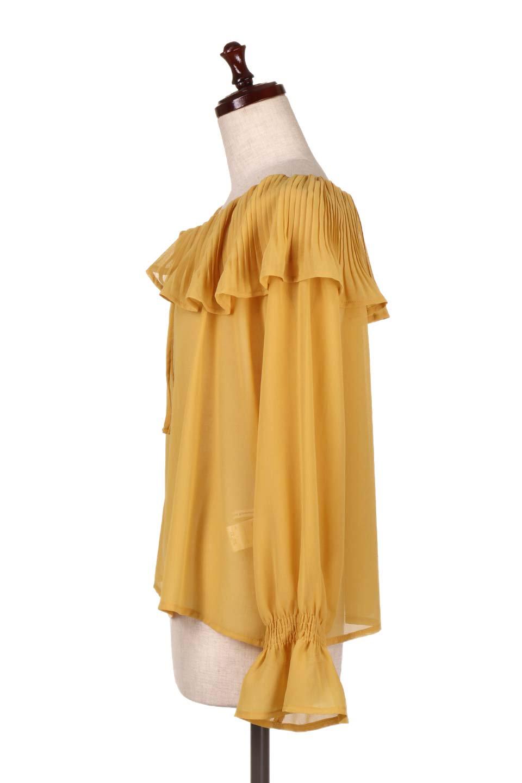 PleatedFrillCollarBlouseプリーツフリル・シフォンブラウス大人カジュアルに最適な海外ファッションのothers(その他インポートアイテム)のトップスやシャツ・ブラウス。プリーツ入りのフリルの襟がガーリーなシフォンブラウス。合わせやすい着丈の長さ可愛らしいキャンディースリーブもオススメポイント。/main-12