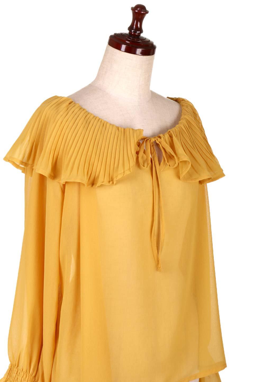 PleatedFrillCollarBlouseプリーツフリル・シフォンブラウス大人カジュアルに最適な海外ファッションのothers(その他インポートアイテム)のトップスやシャツ・ブラウス。プリーツ入りのフリルの襟がガーリーなシフォンブラウス。合わせやすい着丈の長さ可愛らしいキャンディースリーブもオススメポイント。/main-15