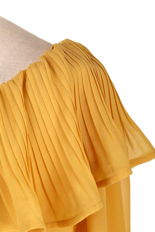 PleatedFrillCollarBlouseプリーツフリル・シフォンブラウス大人カジュアルに最適な海外ファッションのothers(その他インポートアイテム)のトップスやシャツ・ブラウス。プリーツ入りのフリルの襟がガーリーなシフォンブラウス。合わせやすい着丈の長さ可愛らしいキャンディースリーブもオススメポイント。/main-17
