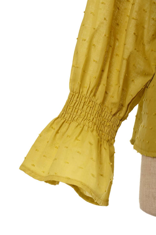 ShirringKneckFrillBlouseシャーリングネック・フリルブラウス大人カジュアルに最適な海外ファッションのothers(その他インポートアイテム)のトップスやシャツ・ブラウス。シャーリングの首もとが可愛いキャンディースリーブのブラウス。ネップが入った生地やシャーリングの首元、フリルが飾られたキャンディースリーブ・・・可愛いパーツが散りばめられたブラウスです。/main-20