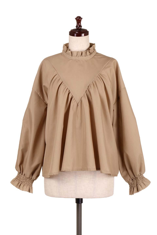 ShirringStandCollarBlouseシャーリングスタンドカラーブラウス大人カジュアルに最適な海外ファッションのothers(その他インポートアイテム)のトップスやシャツ・ブラウス。シャーリングのスタンドカラーが可愛いポイントのブラウス。胸元のVから広がるドレープでゆったりシルエットをデザインした春ブラウスです。/main-10