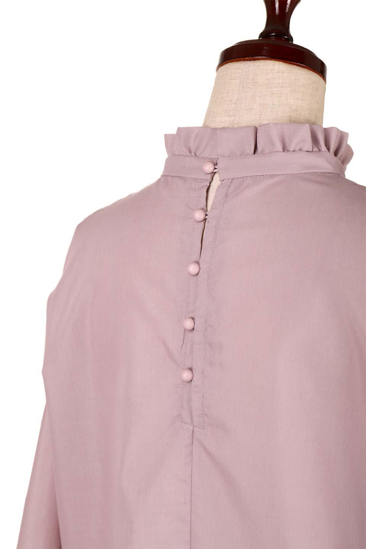 ShirringStandCollarBlouseシャーリングスタンドカラーブラウス大人カジュアルに最適な海外ファッションのothers(その他インポートアイテム)のトップスやシャツ・ブラウス。シャーリングのスタンドカラーが可愛いポイントのブラウス。胸元のVから広がるドレープでゆったりシルエットをデザインした春ブラウスです。/main-16