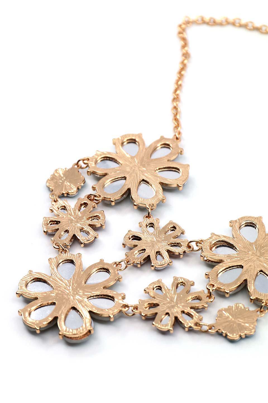 L.A.直輸入のFloralStatementNecklaceフラワーモチーフ・ネックレス大人カジュアルに最適な海外ファッションのothers(その他インポートアイテム)のアクセサリーやネックレス。花のモチーフが胸元を飾るネックレス。淡いカラーの花のペンダントが華やかに彩ります。/main-4