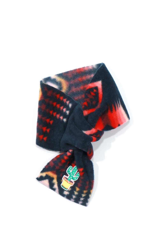 OrtegaPatternedDoggieMufflerオルテガ柄・フリースマフラー大人カジュアルに最適な海外ファッションのothers(その他インポートアイテム)のドッググッズや。アメリカンなオルテガ柄のフリースマフラー。カラフルで抜群の可愛さのワンちゃんアイテム。/main-13
