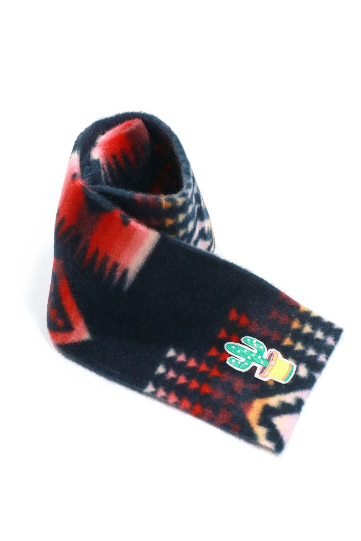 OrtegaPatternedDoggieMufflerオルテガ柄・フリースマフラー大人カジュアルに最適な海外ファッションのothers(その他インポートアイテム)のドッググッズや。アメリカンなオルテガ柄のフリースマフラー。カラフルで抜群の可愛さのワンちゃんアイテム。/main-17