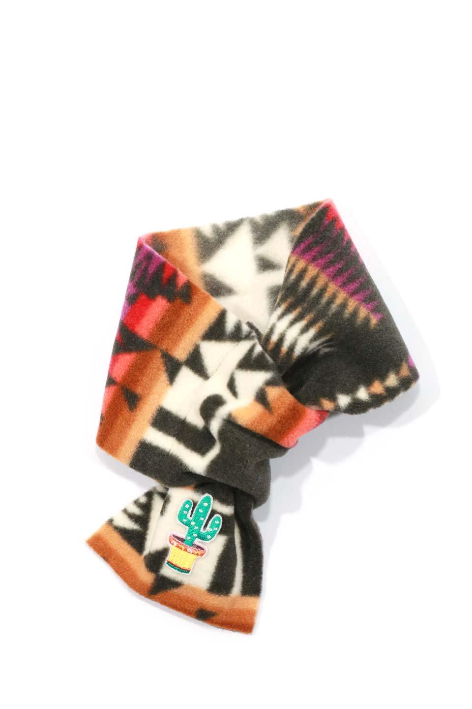 OrtegaPatternedDoggieMufflerオルテガ柄・フリースマフラー大人カジュアルに最適な海外ファッションのothers(その他インポートアイテム)のドッググッズや。アメリカンなオルテガ柄のフリースマフラー。カラフルで抜群の可愛さのワンちゃんアイテム。/main-19