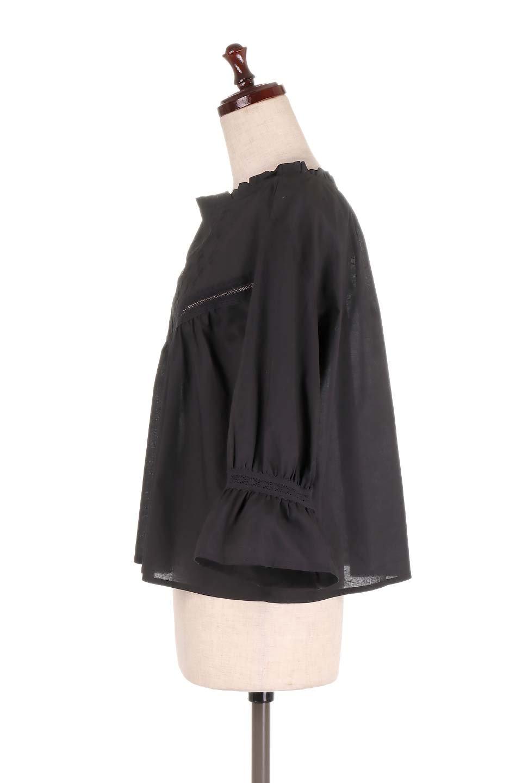 FrilledStandCollarBlouseフリルスタンドカラー・刺繍ブラウス大人カジュアルに最適な海外ファッションのothers(その他インポートアイテム)のトップスやシャツ・ブラウス。低めのフリルスタンドカラーがポイントの刺繍ブラウス。人気のフリルスタンドカラーを首元が広めのボートネック風にしたアイテム。/main-17