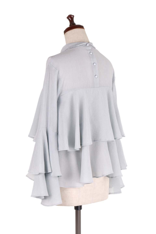 BellSleeveTieredBlouseベルスリーブ・ティアードブラウス大人カジュアルに最適な海外ファッションのothers(その他インポートアイテム)のトップスやシャツ・ブラウス。大きめに段を取ったフリルが特徴のブラウス。適度なショート丈で春っぽいコーディネートができます。/main-13