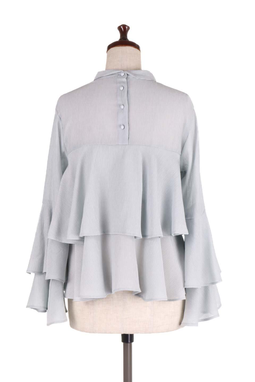 BellSleeveTieredBlouseベルスリーブ・ティアードブラウス大人カジュアルに最適な海外ファッションのothers(その他インポートアイテム)のトップスやシャツ・ブラウス。大きめに段を取ったフリルが特徴のブラウス。適度なショート丈で春っぽいコーディネートができます。/main-14