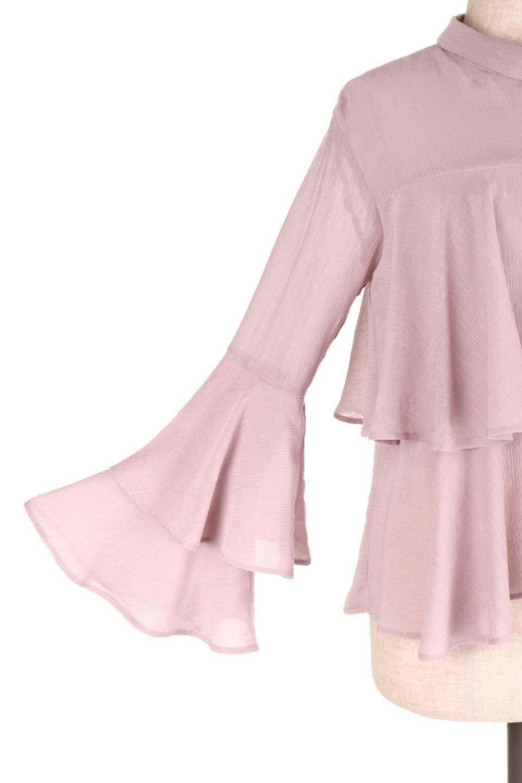 BellSleeveTieredBlouseベルスリーブ・ティアードブラウス大人カジュアルに最適な海外ファッションのothers(その他インポートアイテム)のトップスやシャツ・ブラウス。大きめに段を取ったフリルが特徴のブラウス。適度なショート丈で春っぽいコーディネートができます。/main-18