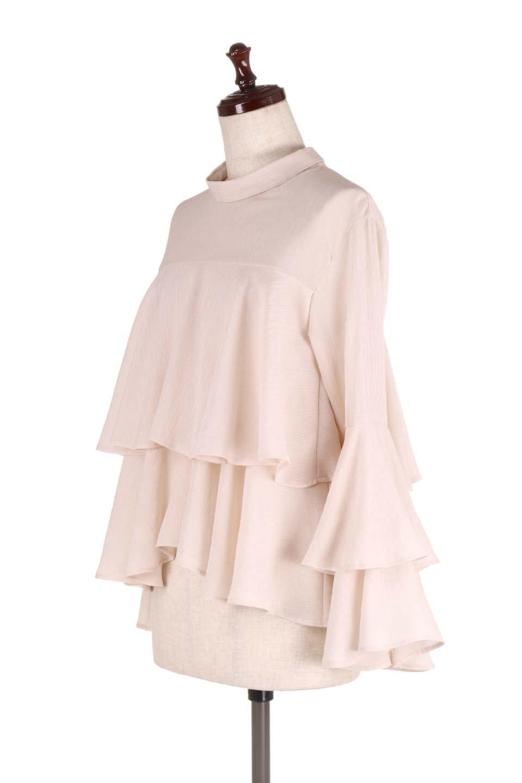 BellSleeveTieredBlouseベルスリーブ・ティアードブラウス大人カジュアルに最適な海外ファッションのothers(その他インポートアイテム)のトップスやシャツ・ブラウス。大きめに段を取ったフリルが特徴のブラウス。適度なショート丈で春っぽいコーディネートができます。/main-6