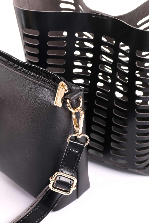 meliebiancoのMercer(Black)ポーチ付きパテントショルダーバッグ/海外ファッション好きにオススメのインポートバッグとかばん、MelieBianco(メリービアンコ)のバッグやショルダーバッグ。艶やかなパテントビーガンレザーを使用したショルダーバッグ。艶とメッシュの涼しげなバッグです。/main-14