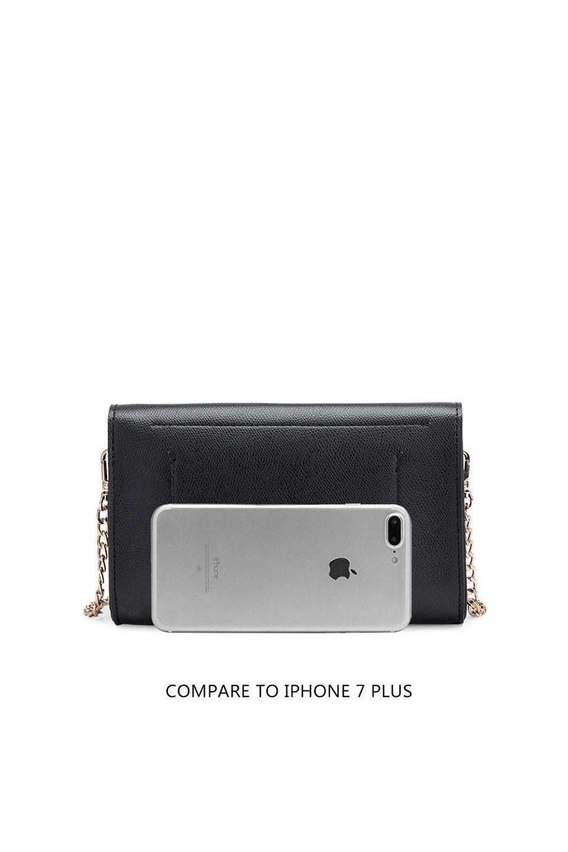 meliebiancoのElsa(Black)2WAYショルダーバッグ/海外ファッション好きにオススメのインポートバッグとかばん、MelieBianco(メリービアンコ)のバッグやショルダーバッグ。ストラップを取り外してクラッチバッグにもなる2WAYショルダーバッグ。スマホと流行のミニ財布でお出かけするときにピッタリなショルダーバッグです。/main-7