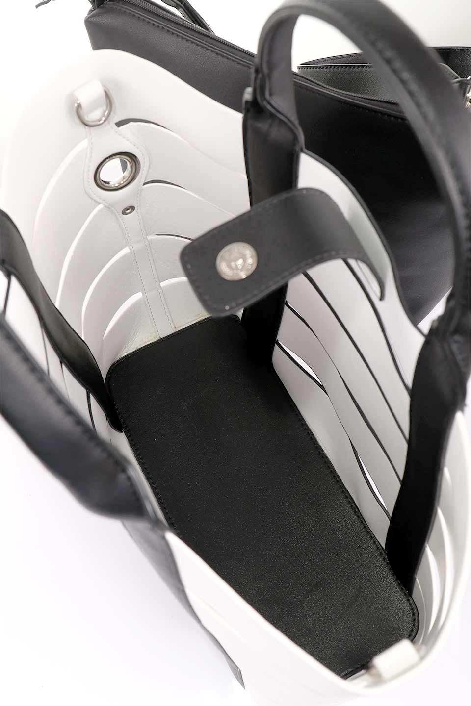 meliebiancoのCamille(Black)ポーチ付き・バイカラートートバッグ/海外ファッション好きにオススメのインポートバッグとかばん、MelieBianco(メリービアンコ)のバッグやトートバッグ。便利なインナーバッグが付いた涼しげなトートバッグ。ボーダー柄にも見えるシースルーのデザインがとても可愛いバッグです。/main-16