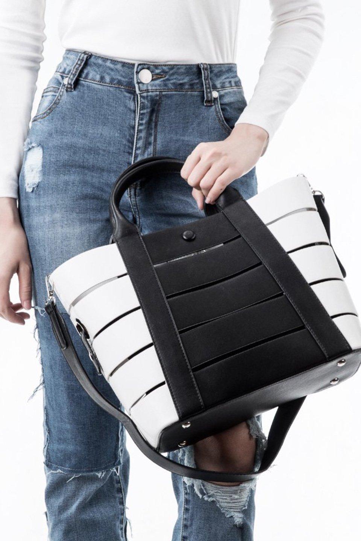 meliebiancoのCamille(Black)ポーチ付き・バイカラートートバッグ/海外ファッション好きにオススメのインポートバッグとかばん、MelieBianco(メリービアンコ)のバッグやトートバッグ。便利なインナーバッグが付いた涼しげなトートバッグ。ボーダー柄にも見えるシースルーのデザインがとても可愛いバッグです。/main-6