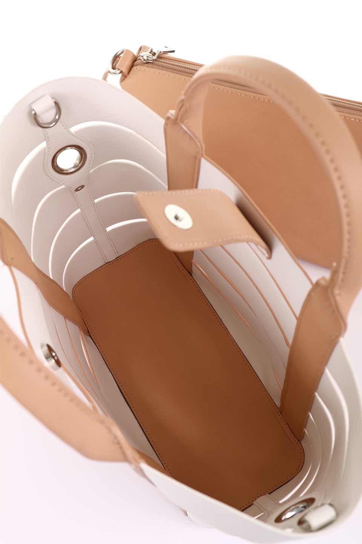 meliebiancoのCamille(Nude)ポーチ付き・バイカラートートバッグ/海外ファッション好きにオススメのインポートバッグとかばん、MelieBianco(メリービアンコ)のバッグやトートバッグ。便利なインナーバッグが付いた涼しげなトートバッグ。ボーダー柄にも見えるシースルーのデザインがとても可愛いバッグです。/main-16