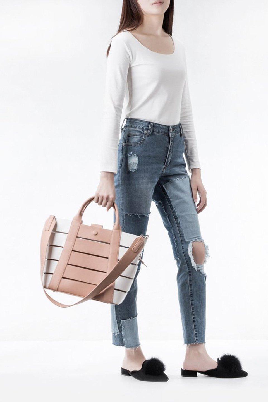 meliebiancoのCamille(Nude)ポーチ付き・バイカラートートバッグ/海外ファッション好きにオススメのインポートバッグとかばん、MelieBianco(メリービアンコ)のバッグやトートバッグ。便利なインナーバッグが付いた涼しげなトートバッグ。ボーダー柄にも見えるシースルーのデザインがとても可愛いバッグです。/main-7